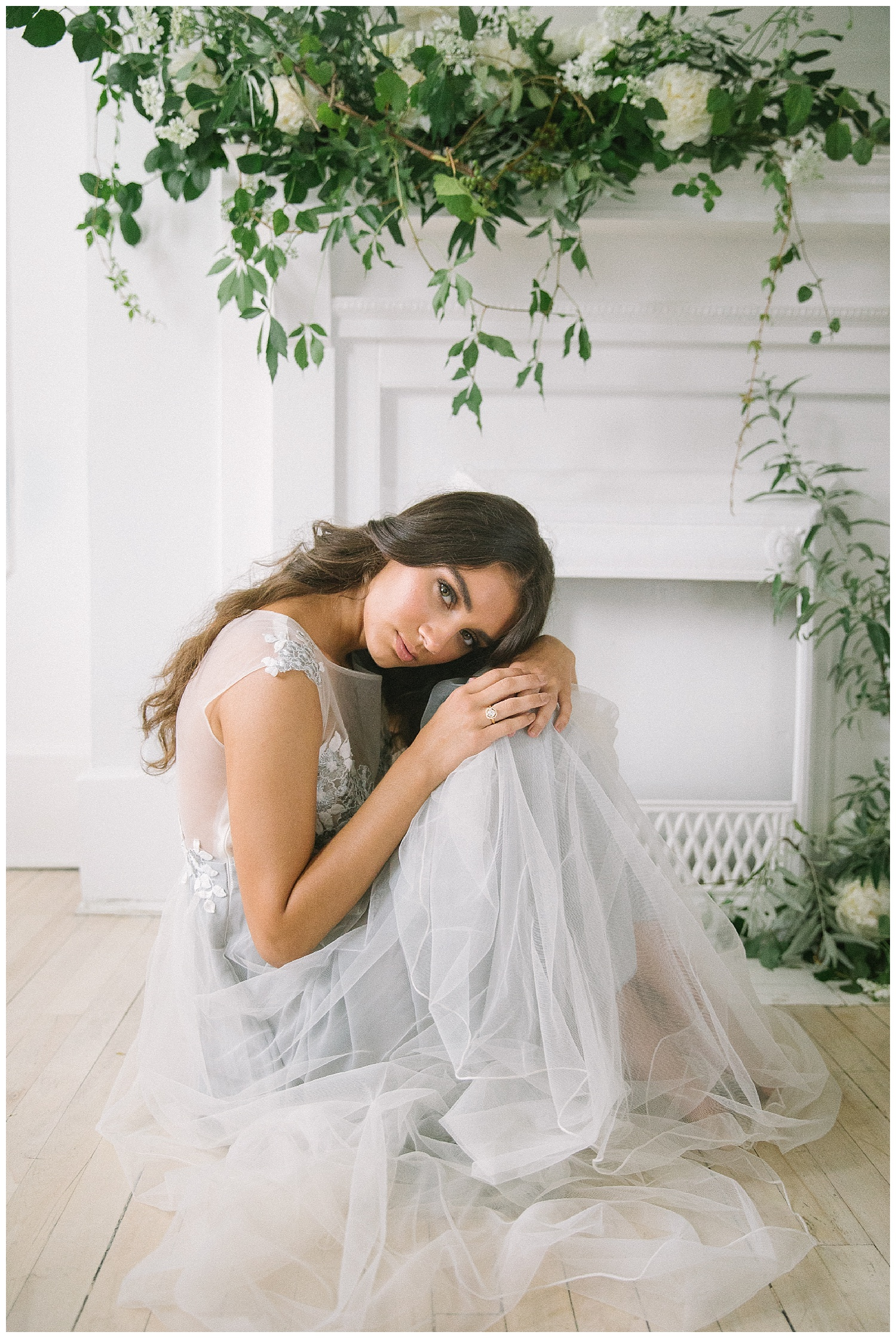 Ellen-Ashton-Photography-Dallas-Wedding-Photographers-Destination-Wedding-Photographer-Paris-Wedding-Photographer-Magnolia-Rouge-Grit-and-Gold-Weddings-and-Events-Destination-Bridal-Session-Montreal-Canada-Montreal-Wedding-Photographer