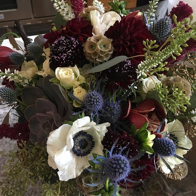 A rustic autumnal mix for today's #woodlandpark wedding! #coloradowedding #anemone #dahlia #succulent #edgewoodinn