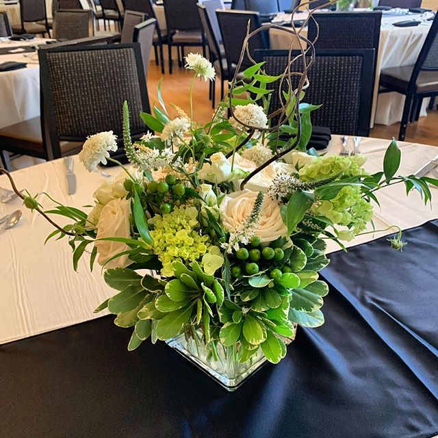 Loved this bright green and white wedding at the #oxfordhoteldenver this past weekend! Can't wait to see all the photos from this very classy wedding! #denverwedding #coloradowedding