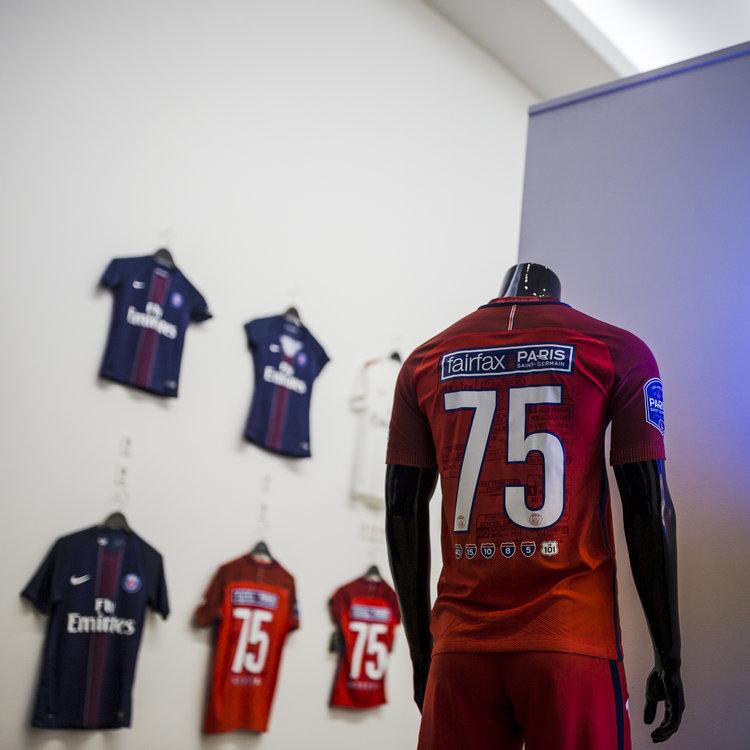 AntonioBrasko-Paris-SaintGermain-LaGalerie-PopUp-TheSeventhLetter-LosAngeles-ArtGallery-Art-Design-Graffiti-SprayPaint-Boombox-Soccer-Futbol-PSG 11.jpg