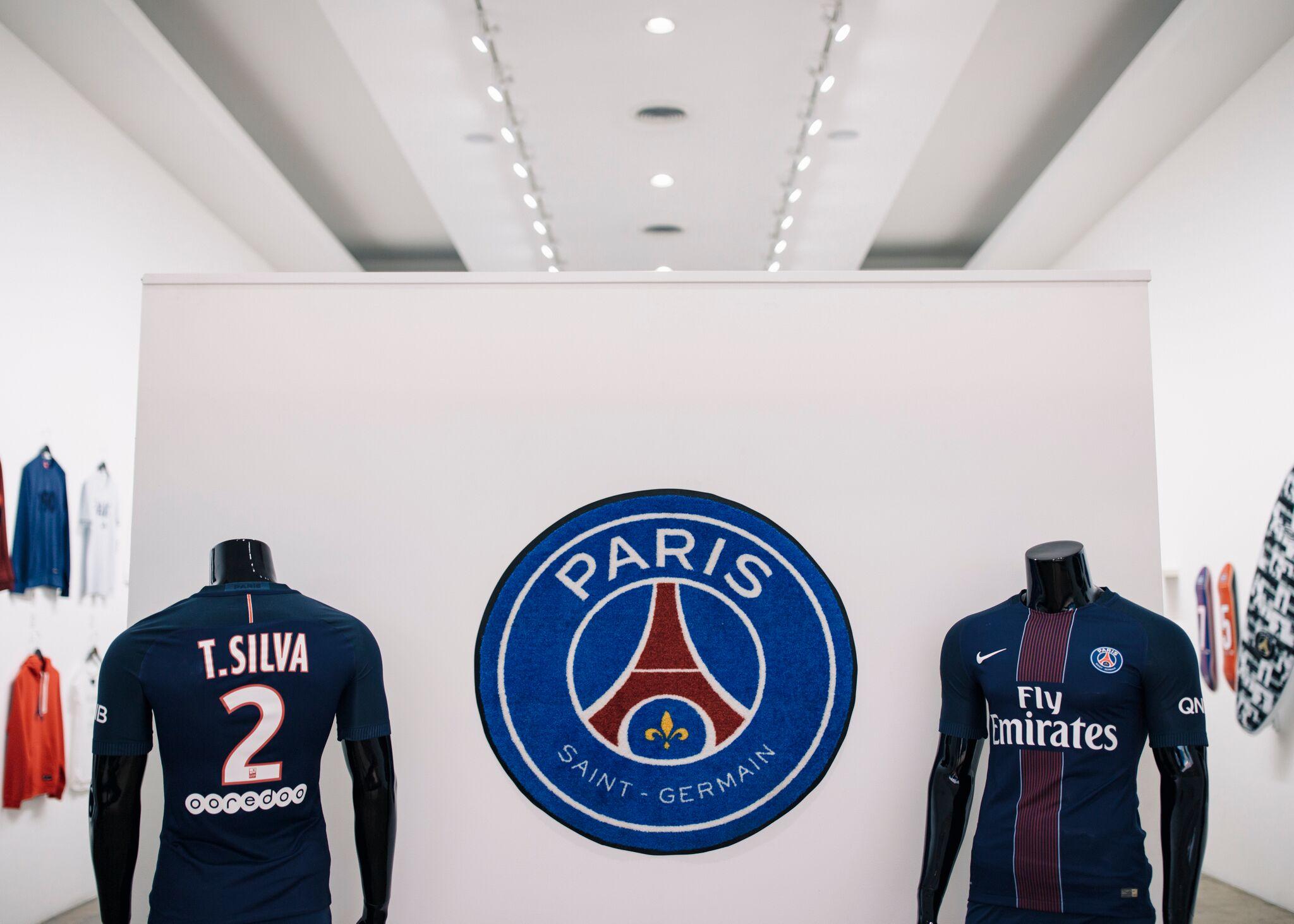AntonioBrasko-Paris-SaintGermain-LaGalerie-PopUp-TheSeventhLetter-LosAngeles-ArtGallery-Art-Design-Graffiti-SprayPaint-Boombox-Soccer-Futbol-PSG 22.jpg