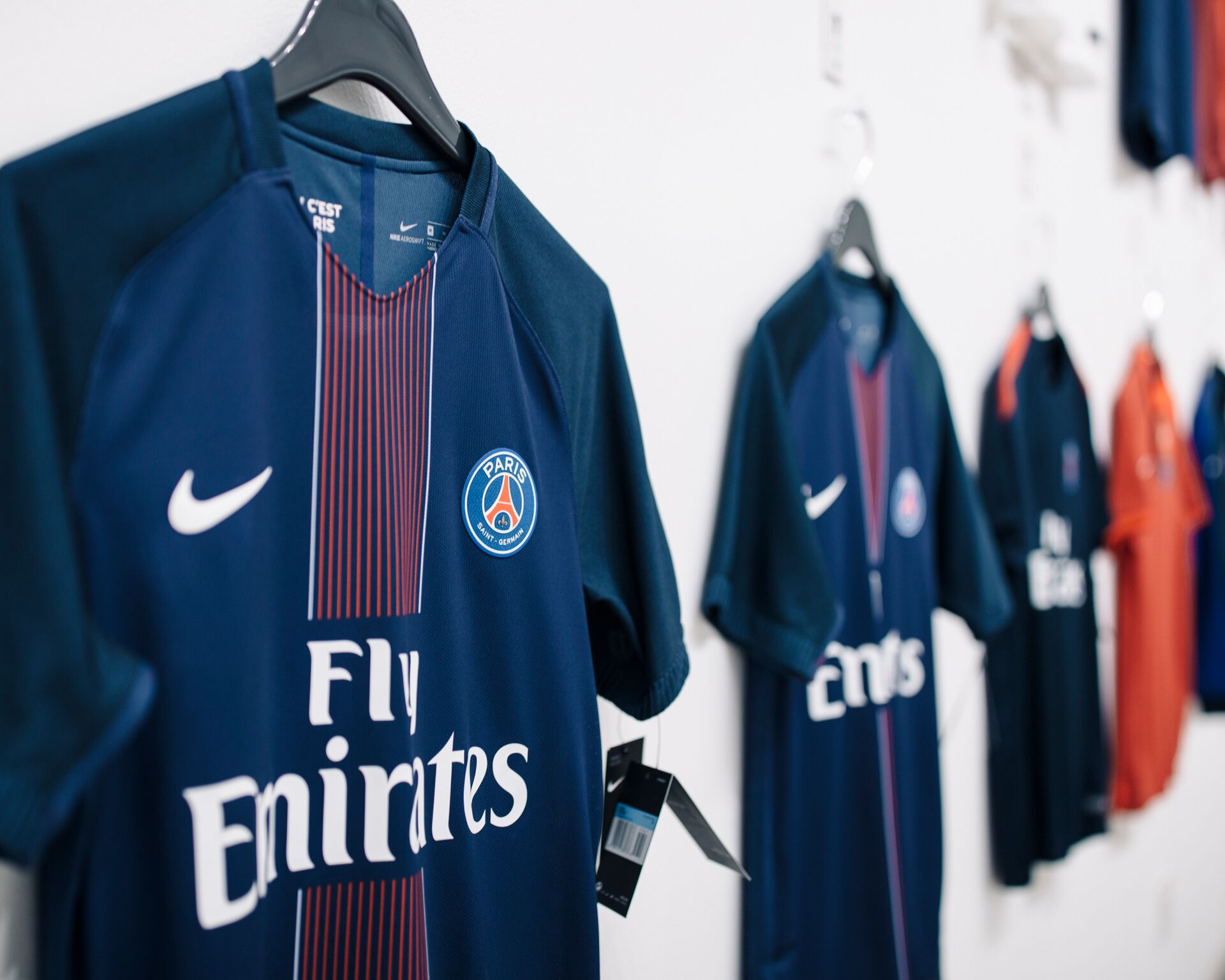 AntonioBrasko-Paris-SaintGermain-LaGalerie-PopUp-TheSeventhLetter-LosAngeles-ArtGallery-Art-Design-Graffiti-SprayPaint-Boombox-Soccer-Futbol-PSG 23.jpg