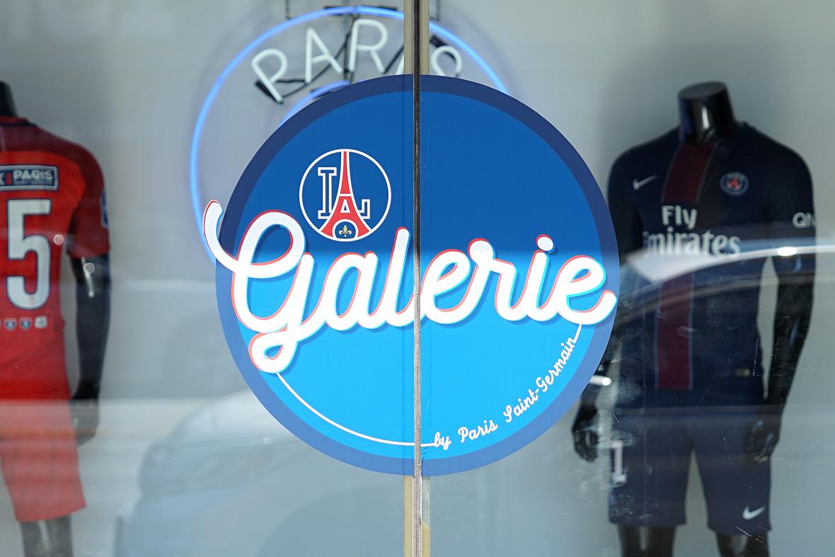 AntonioBrasko-Paris-SaintGermain-LaGalerie-PopUp-TheSeventhLetter-LosAngeles-ArtGallery-Art-Design-Graffiti-SprayPaint-Boombox-Soccer-Futbol-PSG 31.jpg