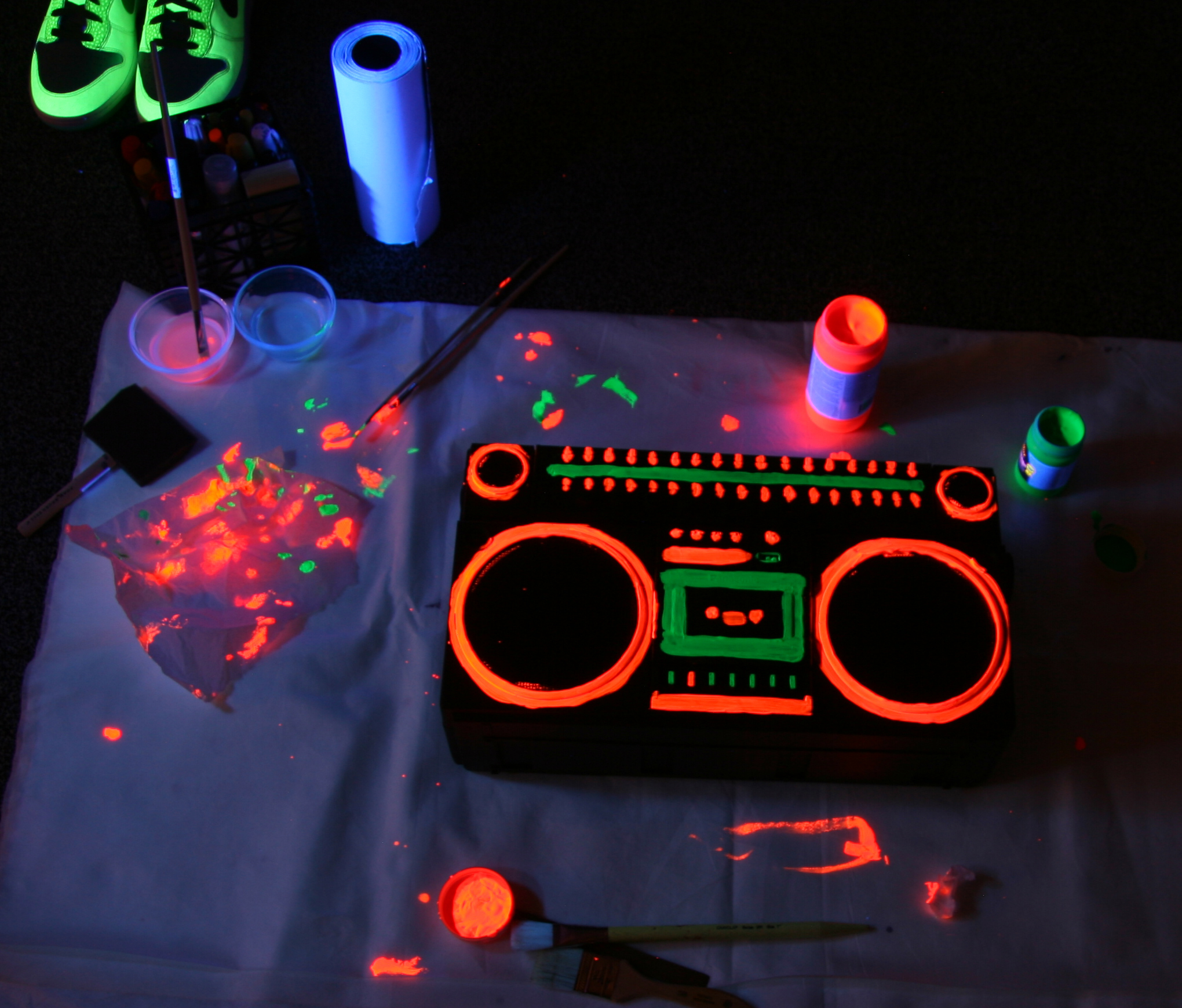 boombox-black-light.jpg