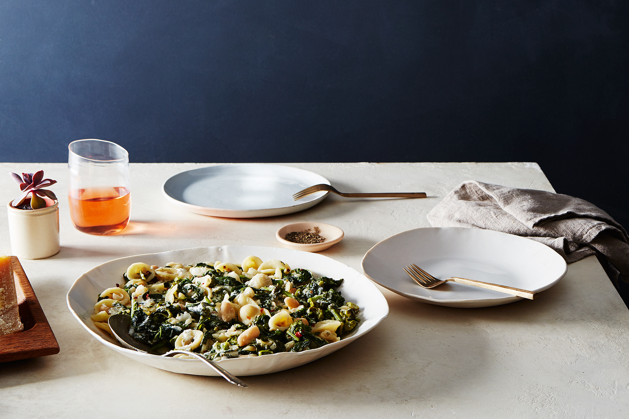 2015-1124_pasta-with-broccoli-rabe-and-white-bean-anchovy-sauce_bobbi-lin_14655.jpg