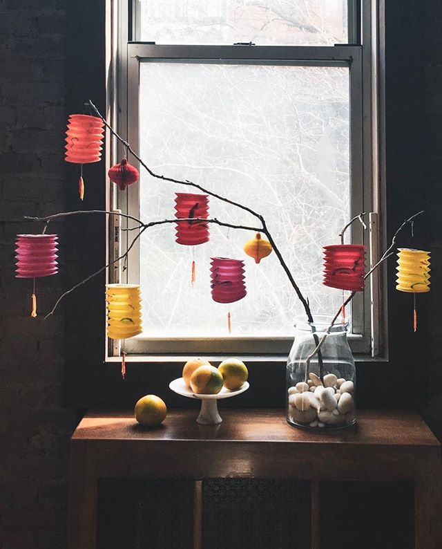I'm a sucker for any colorful hanging paper things, aka lanterns! They've become little visual reminders to be grateful for the basic things: two legs to walk, a bed to sleep in, not having to worry about the next meal, my family is safe and healthy, inspiring and supportive friends... A shift started when I stopped thinking about what I don't have or what I've lost (and yes, it is still a constant struggle), and started focusing on what I do have. #beginagain . . . . #yearofthepig #lanterns #home #papermagic #livemoremagic #whatreallymatters #cocktailgrapefruit #islandformosa