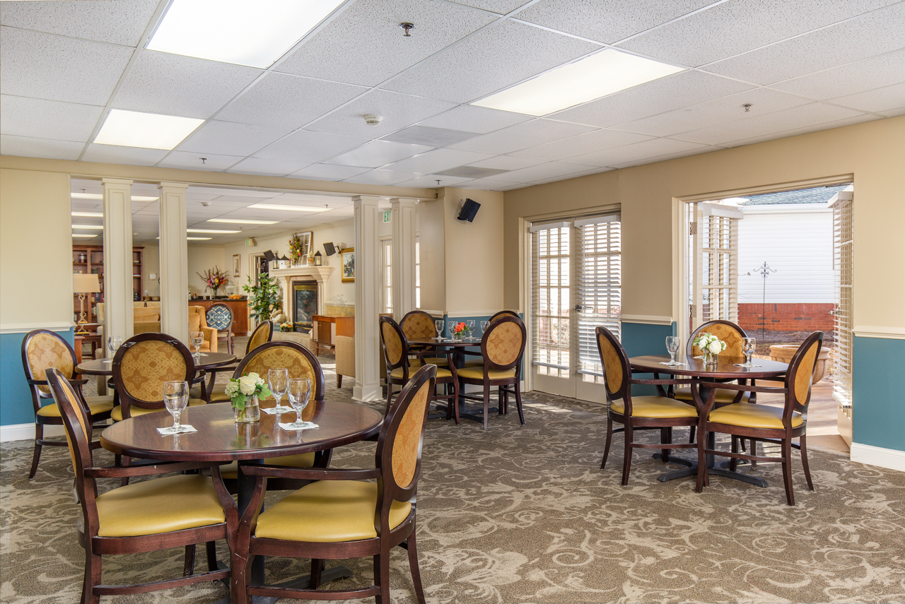 Bentley-Assisted-Living-Commercial-Architectural-Interior-Photography-Rachael-Renee-Photography-Web-1.jpg
