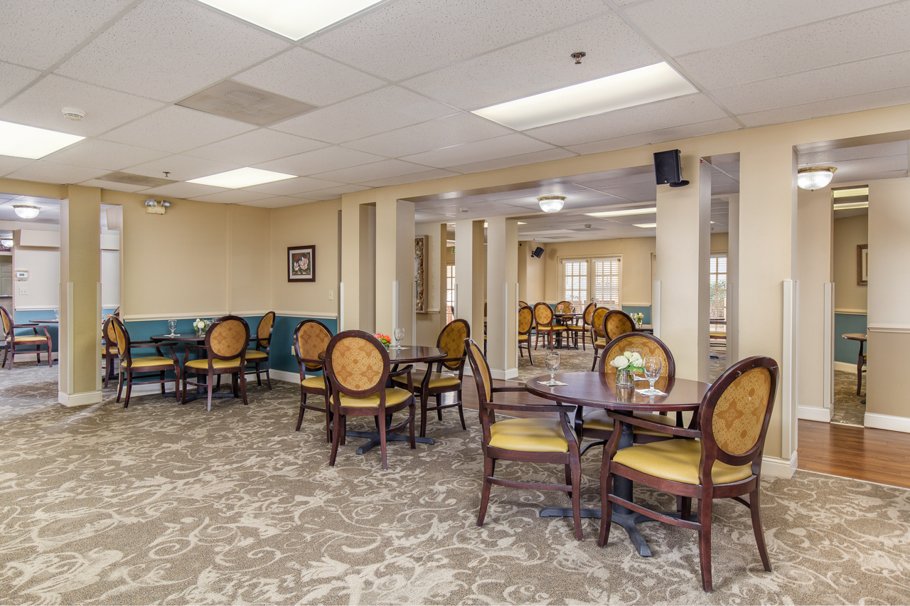 Bentley-Assisted-Living-Commercial-Architectural-Interior-Photography-Rachael-Renee-Photography-Web-2.jpg