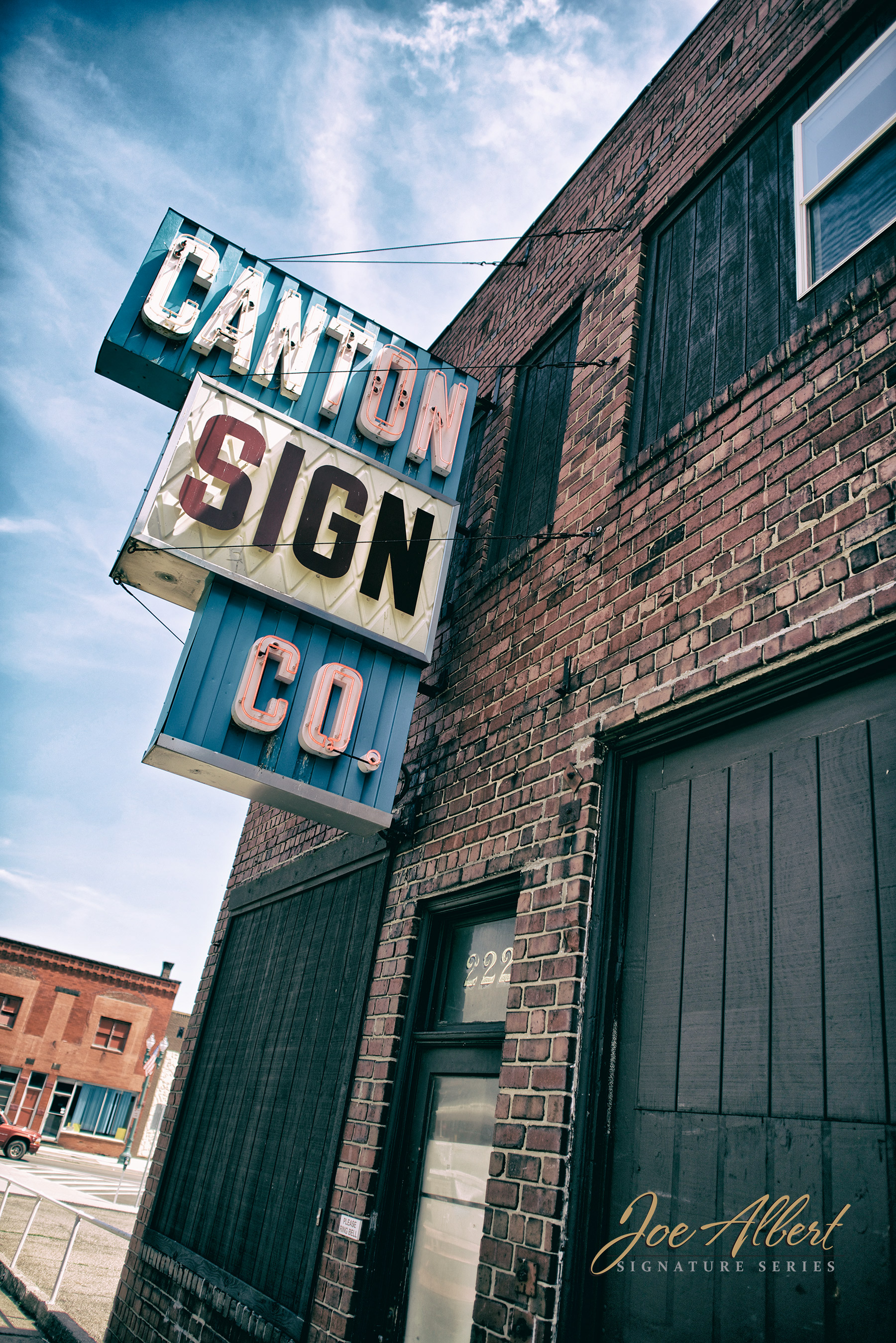 Canton Sign Company is still there!