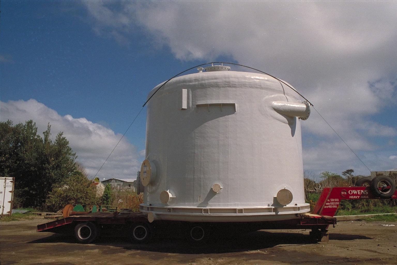 Tanks 5.5m on truck.jpg