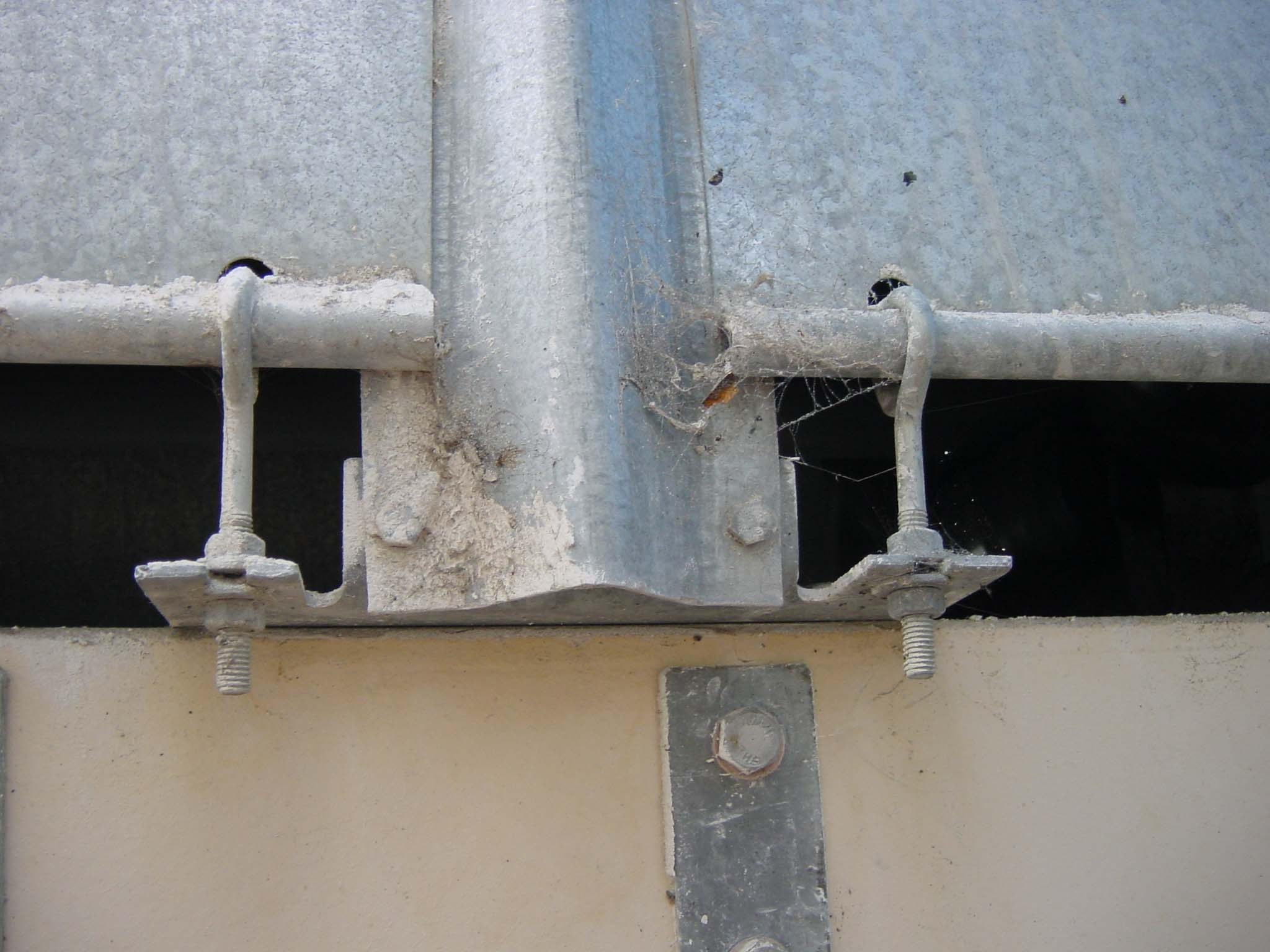 Old Conv Hood Detail Attach.jpg