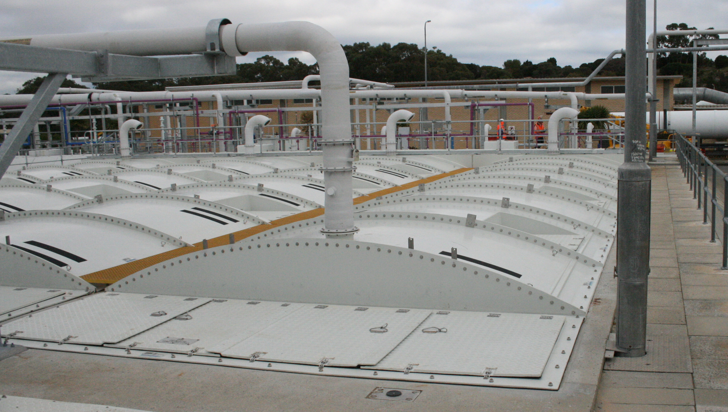 Segmented fibreglass covers at municipal wastewater treatment plant