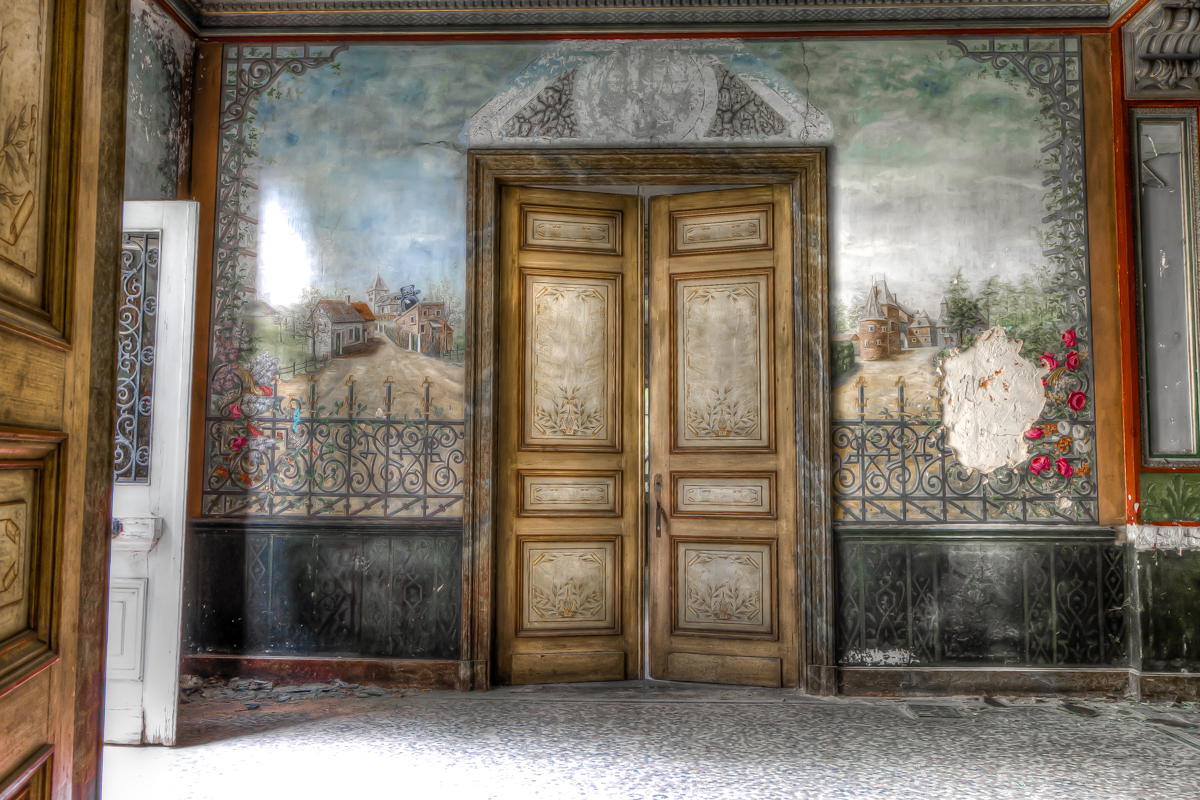 Nothing but footsteps - Chateau d'Ah-6.jpg