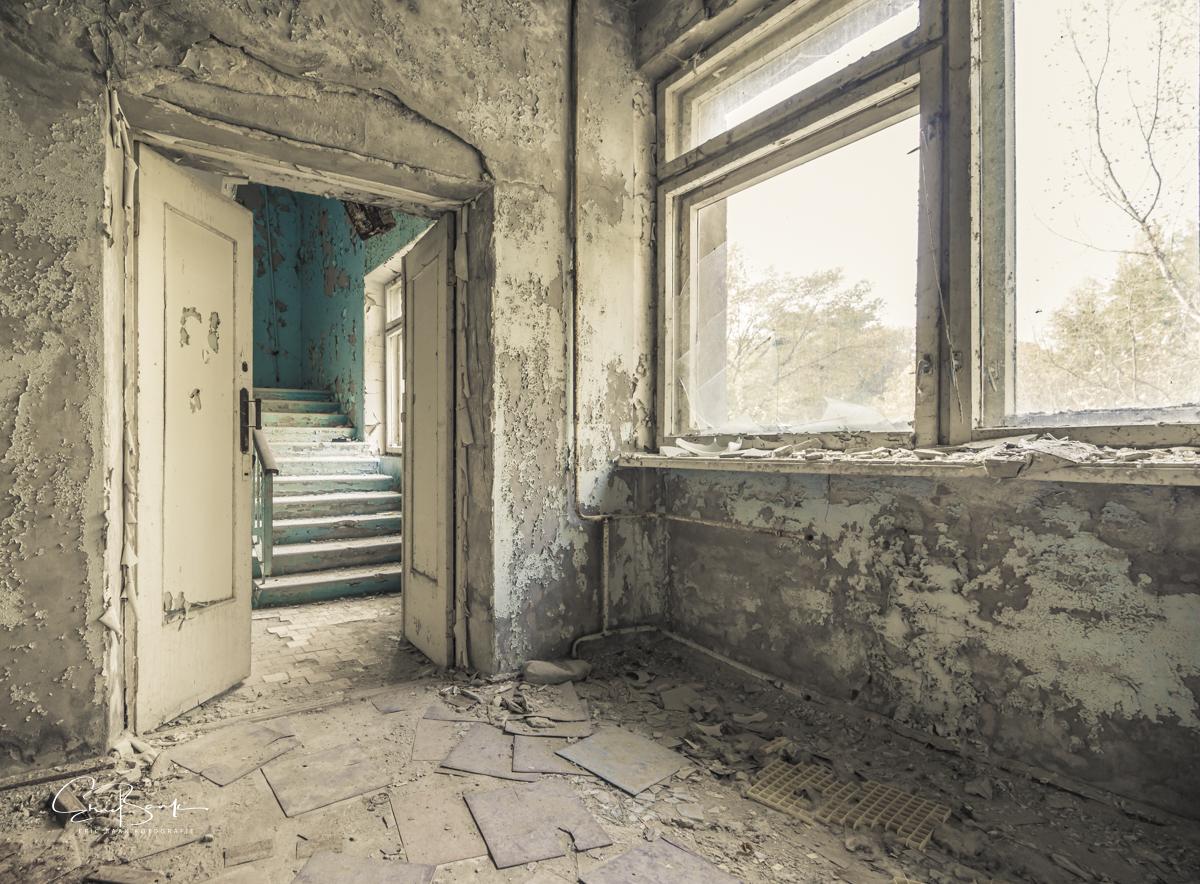 Hospitaal complex МСЧ-126 - Een trapgalerij in het oude hospitaal van Pripyat