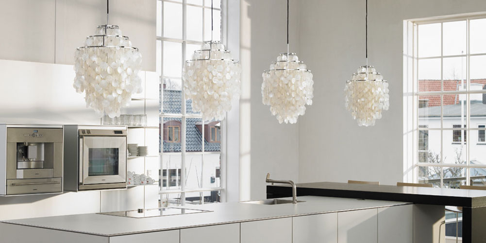 modern_lighting_kitchen_counter_pendant_lamps.jpg