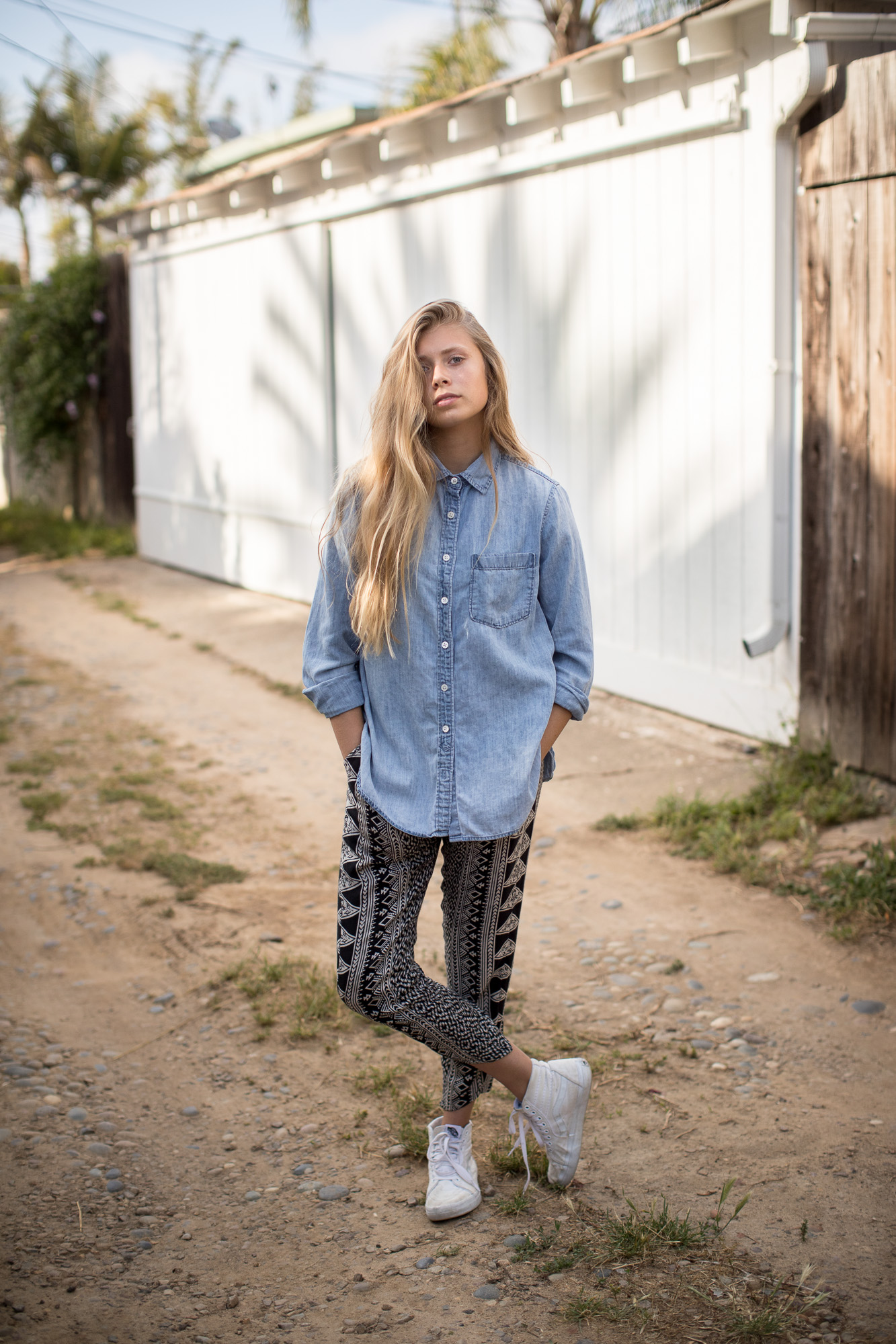 reese peters model teen outdoor beautiful lifestyle fashion photographer photography california blue button up