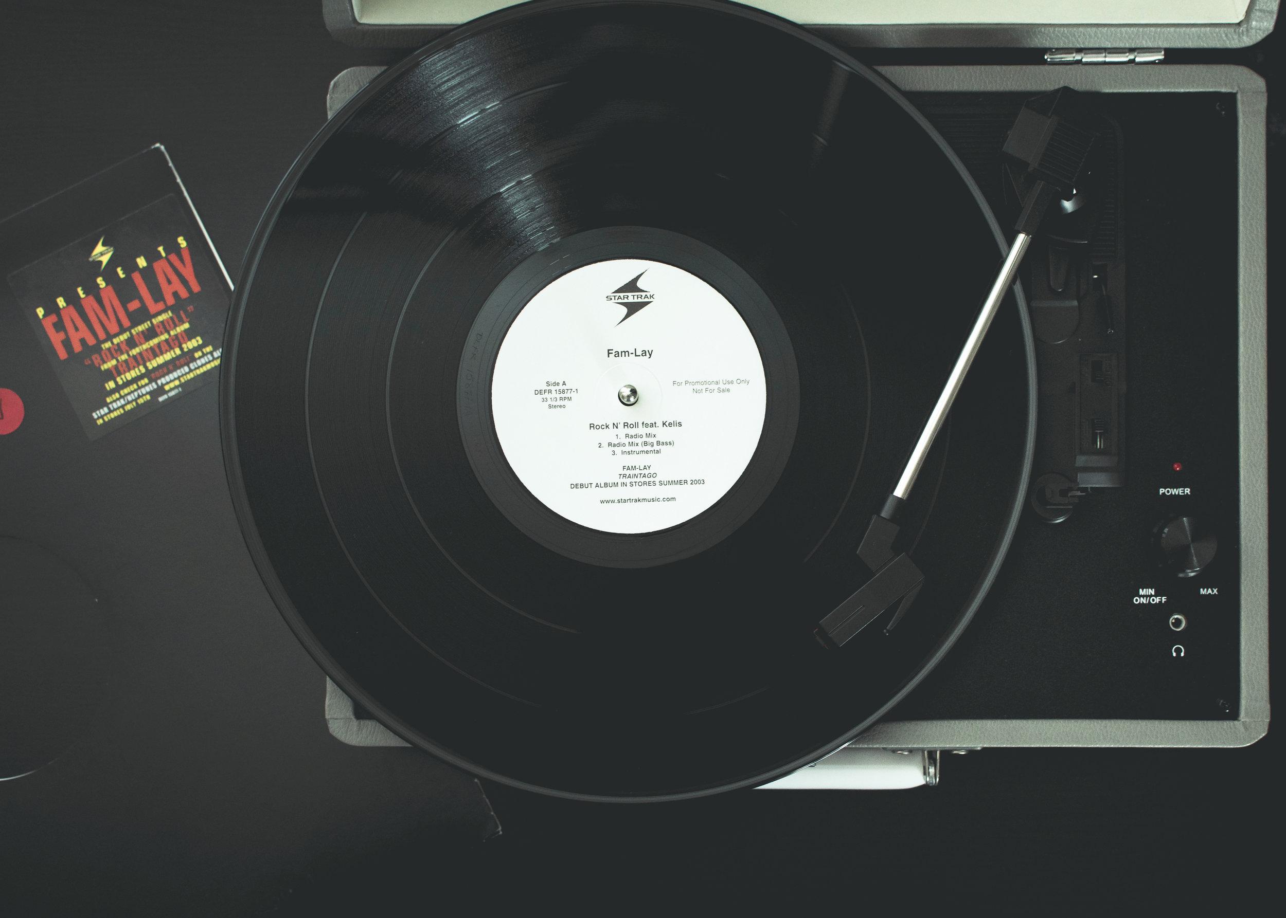 The Records 6 No Boarder.jpg