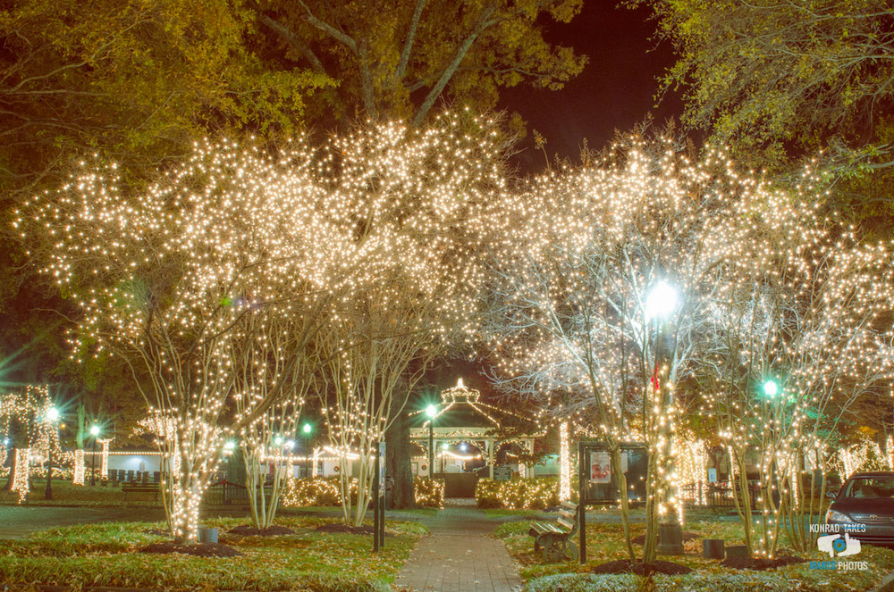 collierville-town-square-christmas-lights-night.jpg