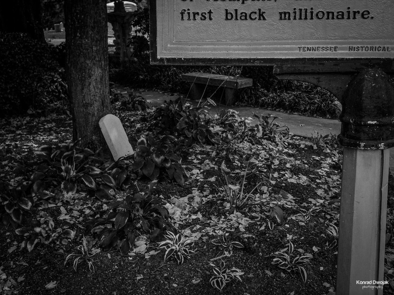 Human Priorities: First Black Millionaire - Elmwood Cemetery