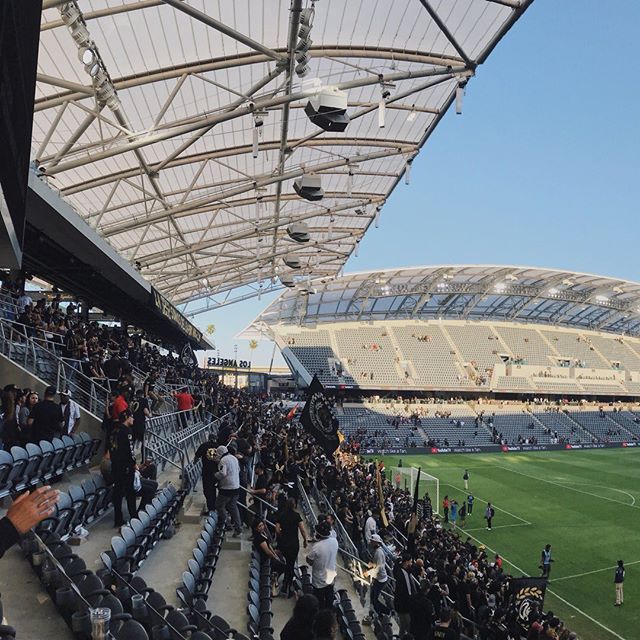 Having been to @redbull Stadium and @bbvacompass Stadium, it felt only natural to witness LAFC vs Seattle Sounders in the brand new @bancofcaliforniastadium.  Built by an amazing team of construction + architect + engineering teams, it did not disappoint.  Although we were in the boondocks seats (free tickets 🤘), the players seemed closer than the other two stadiums.  Stoked to go see more games and events in this beautiful stadium. . . . . . #lafc #seattlesounders #bancofcaliforniastadium #usc #soccer #losangeles #california #stadium #architecture #construction #engineering #meengineers #gensler #thorntonthomasetti #mls #majorleaguesoccer #vscocam #skrwt #laarchitecture #onmybluejeans