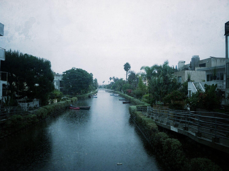 RAINY CANALS -