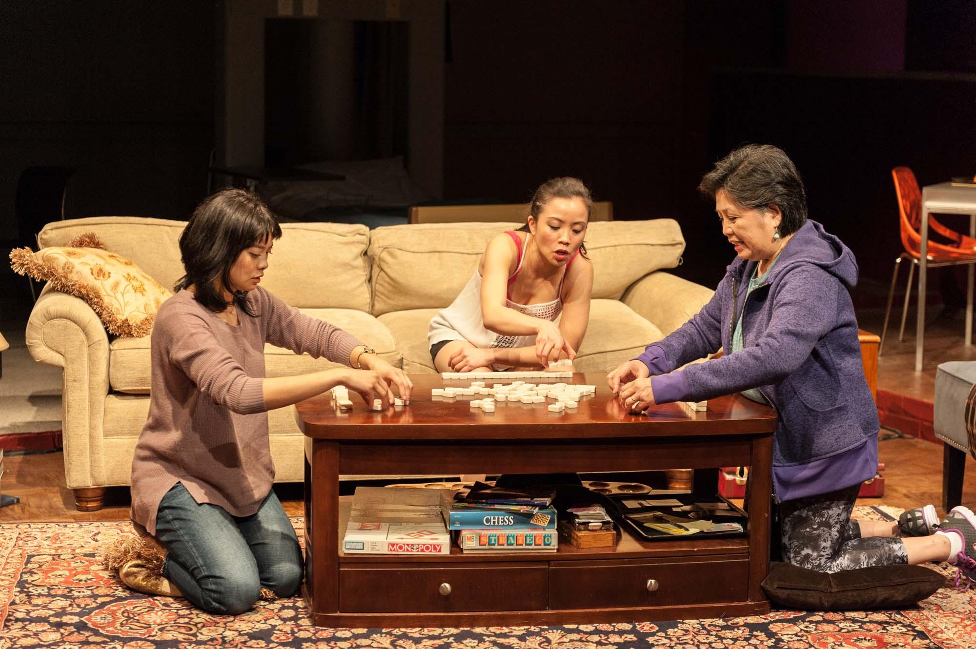 Momo, Twee and Vera play Mah-Jong.