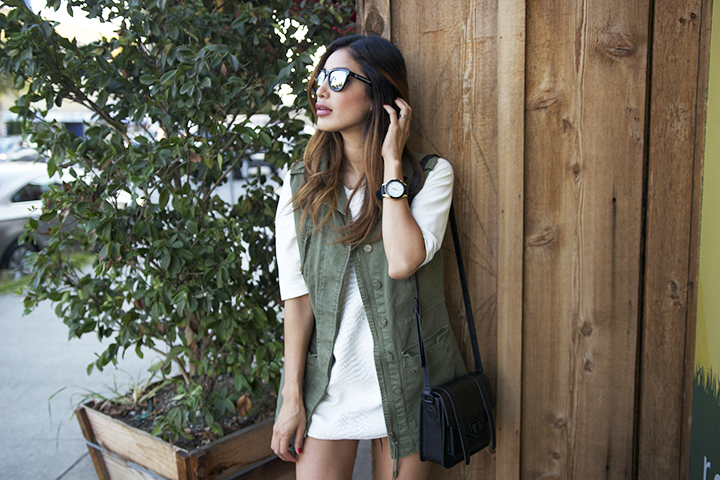 Hawkers sunnies, H&M vest, Zara tee, Levis shorts, Forever21 bag and watch