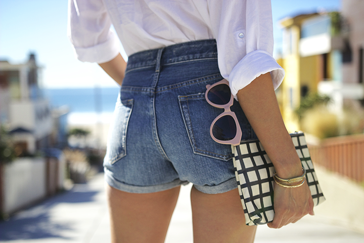 H&M shirt, Uniqlo shorts, Madewell clutch, Forever21 sunnies & necklace, Lucky Brand bracelets, Frye shoes