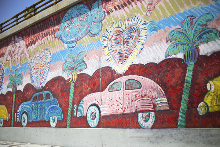 Colorful low-riders by Willie Herrón III and Melody Betancourt in the Hollywood freeway (101 north)