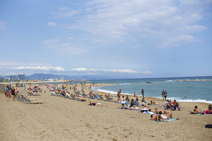 Barceloneta is the beach town in Barcelona. A short 30min walk from my hotel.