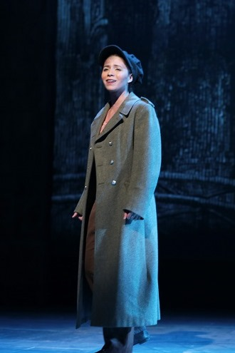 Christina-Nieves-in-Les-Miserables-Drury-Lane-Oakbrook.jpg