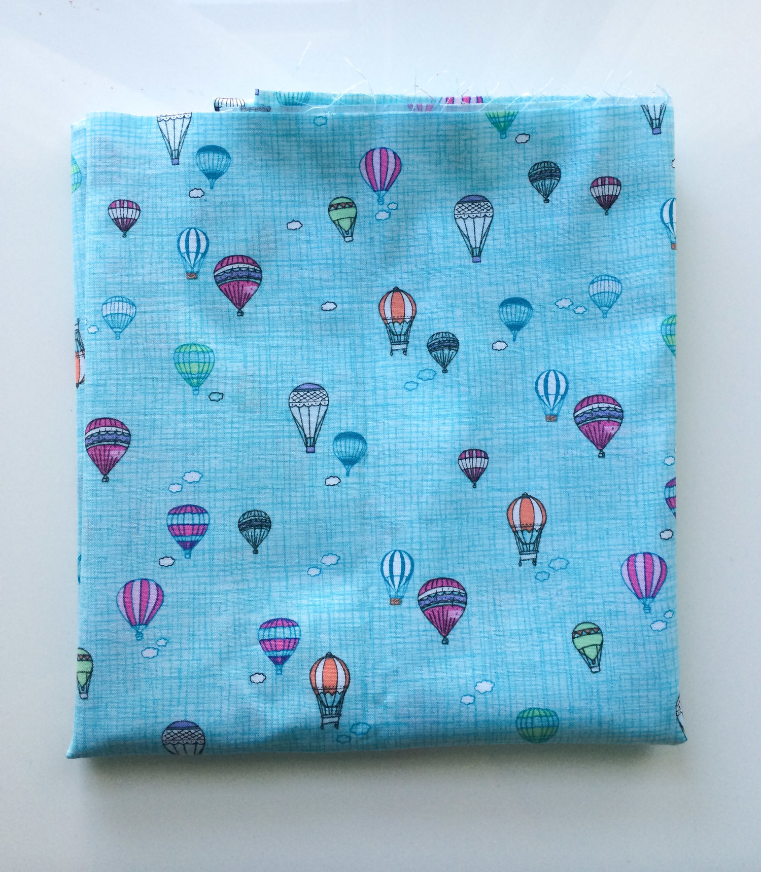 Hot Air Balloon Mini Quilt - www.hoorayforrain.com