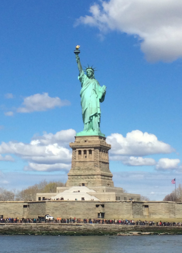 Statue of Liberty - www.hoorayforrain.com