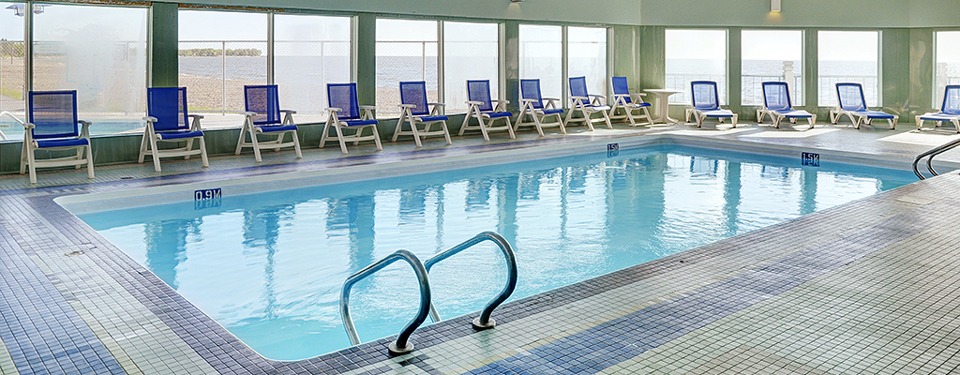 Pool at the Gimli Lakeview Resort Hotel