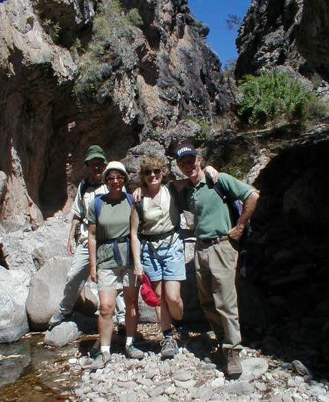 Hiking thru El Cajon, a box canyon