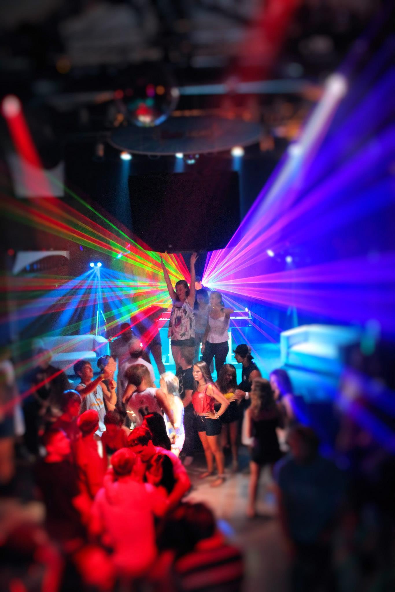 Dancing3.jpg