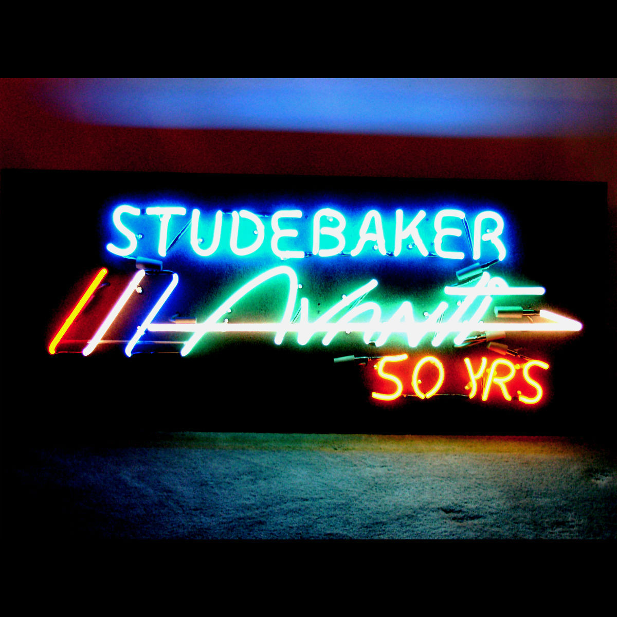 resized Studebaker Avanti 50 years.jpg
