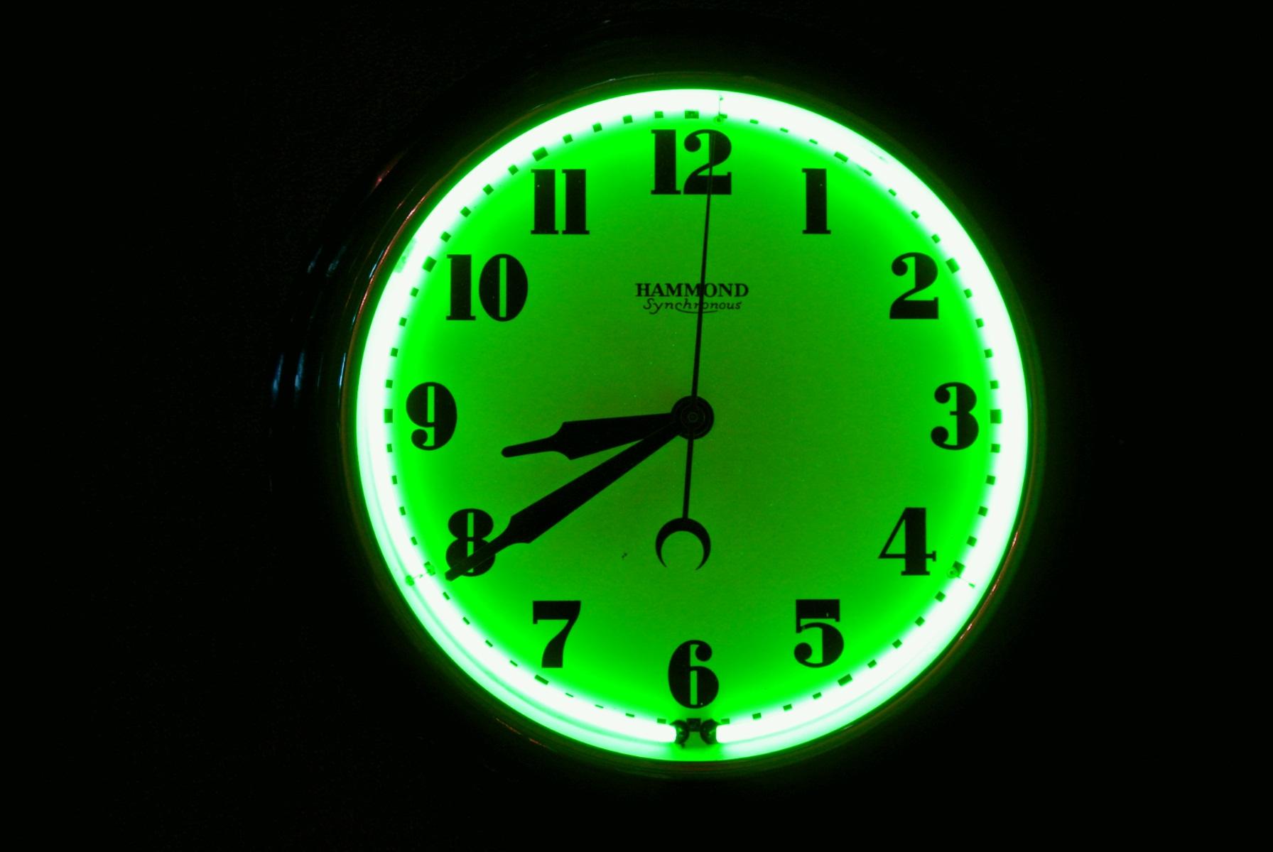 Neon Clock Restoration - brilliant green.jpg
