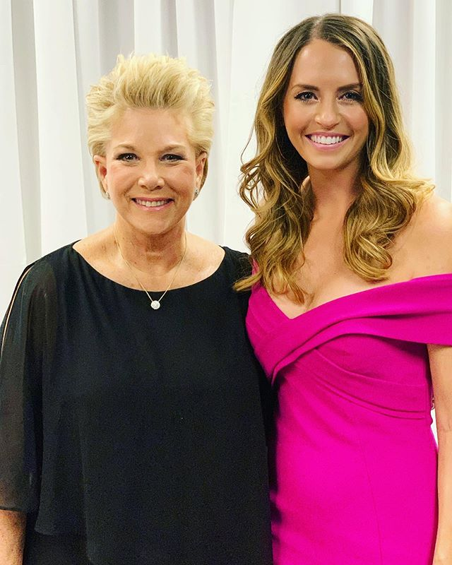 A fabulous Friday night getting to emcee the @project31com breast cancer gala with keynote speaker @joanlunden! She advocates for us all to be the CEOs of our own body and healthcare decisions. As for life + journalism advice she threw my way? Make every story shine, even when that's challenging. And the last thing she did before every GMA show was smile at herself in the mirror, no matter what was actually happening in life 💕