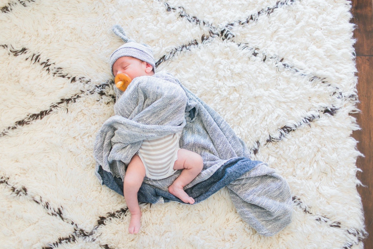 Orange-County-Lifestyle-Newborn-Photography-Kristen-Lynette-Photography_0022.jpg