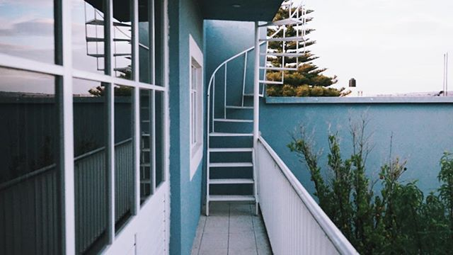 And round and round we go. These are my happy stairs at my parents place. They lead to the rooftop also known as my reading haven. . . . . . #mexico #nochis #zacatecas #travel # #beautifuldestinations #doyoutravel #exploremore #exploringtheglobe #goplayoutside #instapassport #instatravel #passionpassport #roamtheplanet #stayandwander #travelawesome #travelnow #finditliveit #keepexploring #letsgosomewhere #captura_mexico #conocemexico #ilovemexico #ig_mexico #mexico_fotos #mexicodestinos #mexicotravel #seemexico #mexicomagico #vive_mexico #discovermexico