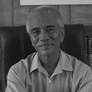 His Excellency Anote Tong Former President of Kiribati   Anote Tong born 11 June 1952 served as President of Kiribati from 2003 to 2016. Tong has been at the forefront of raising global awareness about catastrophic risks caused by climate change. Anote Tong was born in 1952 on Fanning Island (also known as Tabuaeran) in the Line Islands. Educated in New Zealand and in England at the University of Canterbury and the London School of Economics respectively, President Tong holds a Bachelor of Science and a Master of Economics under his belt.