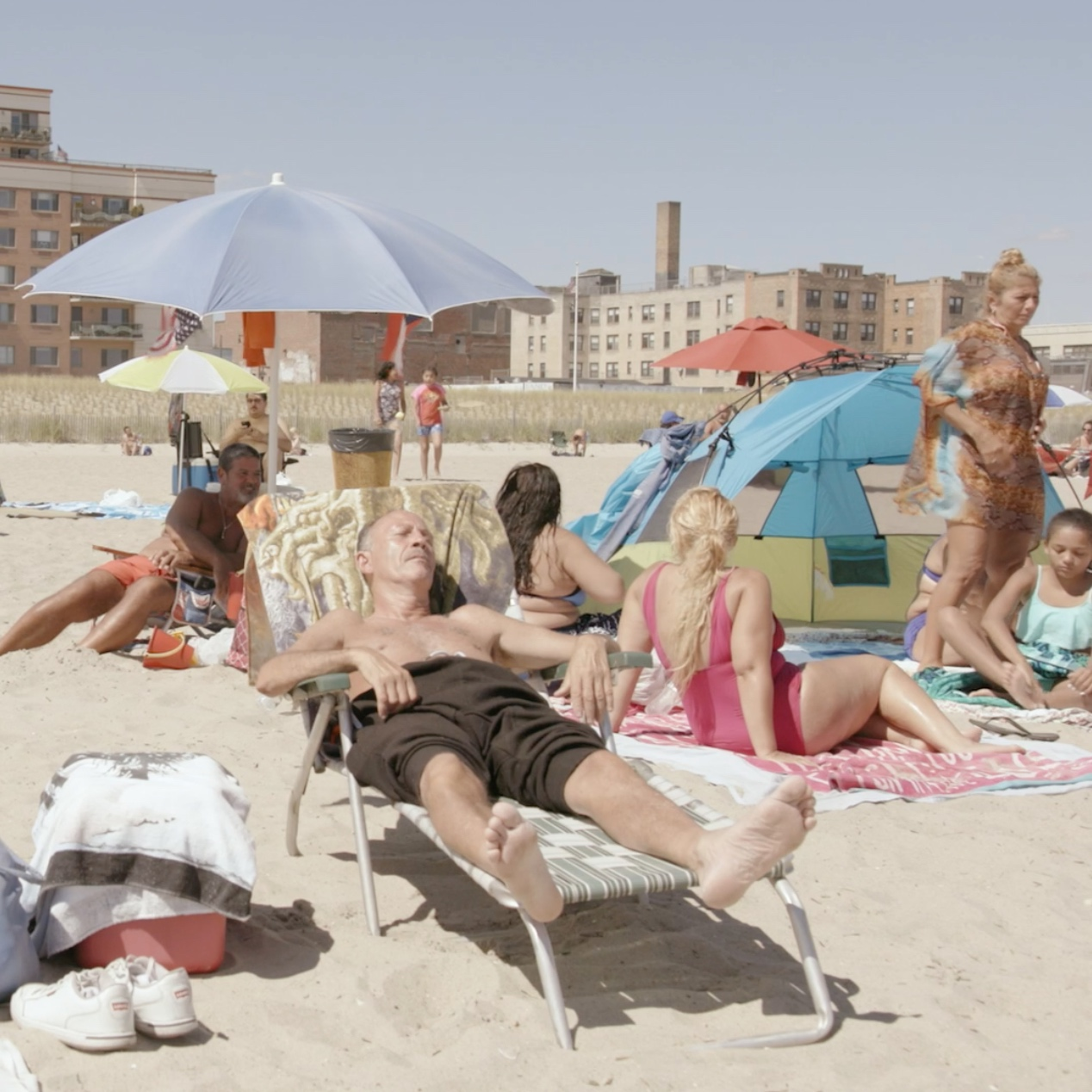 THA_couple+on+beach+edit.jpg