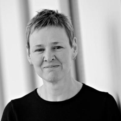 Dr Julie Holland