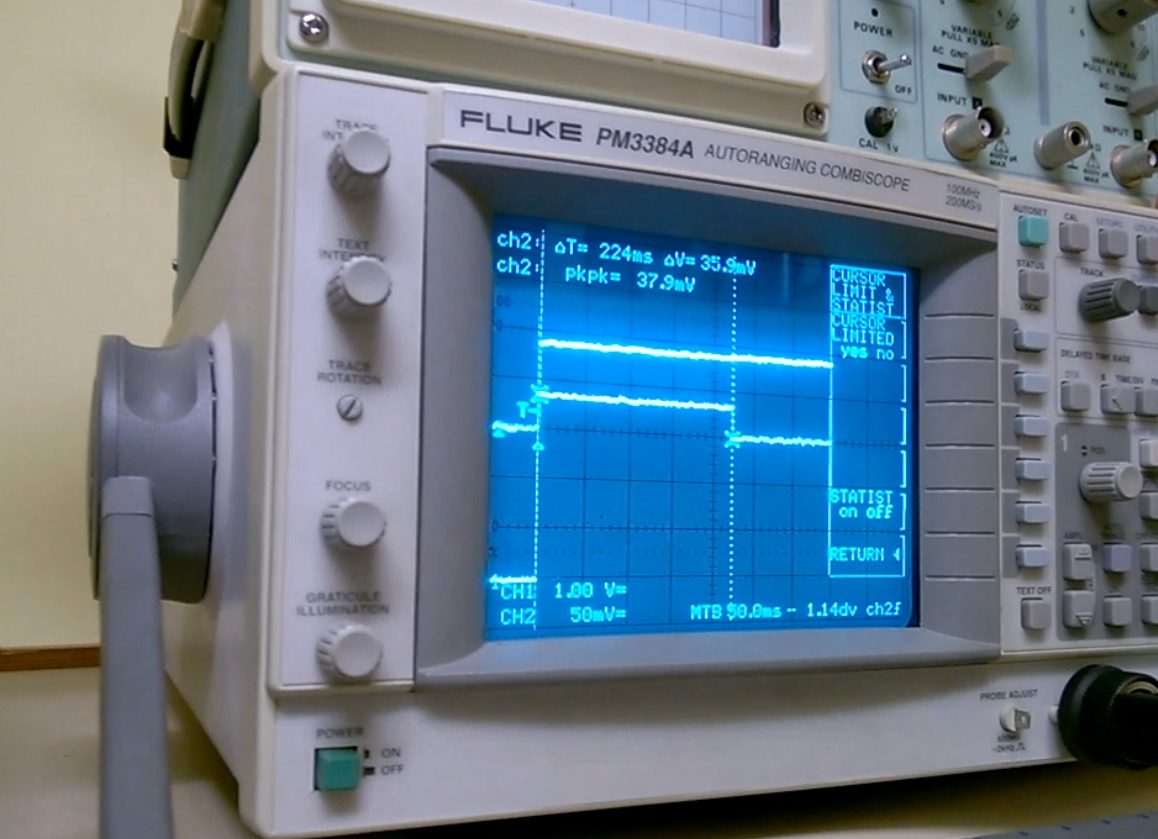 Launcher and electronics are tested throughout for normal use and also for presumable misuse. Data on screen are current - voltage curves for 3S 850mAh NanoTech 45-90C battery at rest charge state of 11.96V. Release time 224ms and current 35.9A.