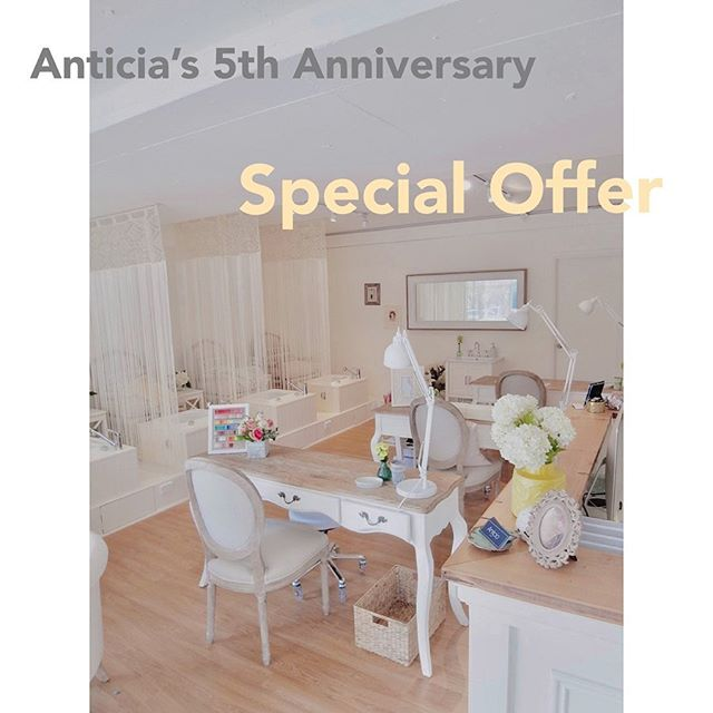 It has been five years since Anticia opened our door. The beginning of Anticia was not easy but now we are welcoming more and more beautiful clients everyday after five years.  Thank you for supporting anticia during our journey. We appreciate our amazing team for all you have done and our clients who came to support along the way that made our work much more satisfying and meaningful. We are forever grateful to all of you. Anticia would not be what it is without our amazing clients!  We will continue to strive to achieve our goal that is to enrich everyone's life through nails.  We offer a complimentary paraffin wax treatment with a little of gratitude to our clients who visit us this month.  We look forward to your continued support for Anticia.  早いもので8月1日でAnticiaは5周年を迎えます。オープンした当初は1日1日が試行錯誤の日々でしたが、こうして5年経った今でもお客さまをお迎えして日常を過ごせている幸せを改めて感じます。 お客様をはじめ、Anticiaに関わって下さっている全ての皆さまに心から感謝です。  本当にありがとうございます。  今後も「心身共に美しくHappyに」をモットーにお客様に多くの幸せを感じて頂けるように精進して参ります。  今月ご来店のお客さまへ、ささやかながら感謝の気持ちを込めて血行促進・乾燥改善と美容効果の高いパック、パラフィンパックをプレゼントさせていただきます。  今後とも、Anticiaをどうぞよろしくお願いいたします。  #5thanniversary #thankyou #appreciation #love #Anticia #nails #anticianails #japanese #nailsalon #neutralbay #sydney #sydneynails #sydneynailart #weddingnails  #gelnails #nailart #naildesign #biosculpturegel #オーストラリア #シドニー #ネイルサロン #ネイルデザイン #ネイル #美甲 #美爪 #젤네일 #네일아트 #ネイリスト募集中