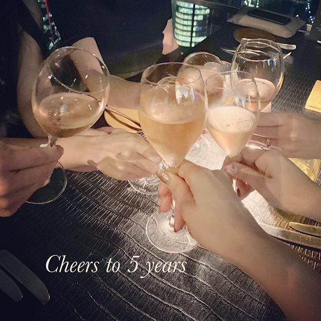 We had an amazing dinner @obardining for celebrating our 5th anniversary🥂🎉 We are beyond grateful for your continued love & support 💕  #5thanniversary #thankyou #love #appreciation  #Anticia #nails #anticianails #japanese #nailsalon #neutralbay #sydney #sydneynails #sydneynailart #weddingnails  #gelnails #nailart #naildesign #biosculpturegel #オーストラリア #シドニー #ネイルサロン #ネイルデザイン #ネイル #美甲 #美爪 #젤네일 #네일아트 #ネイリスト募集