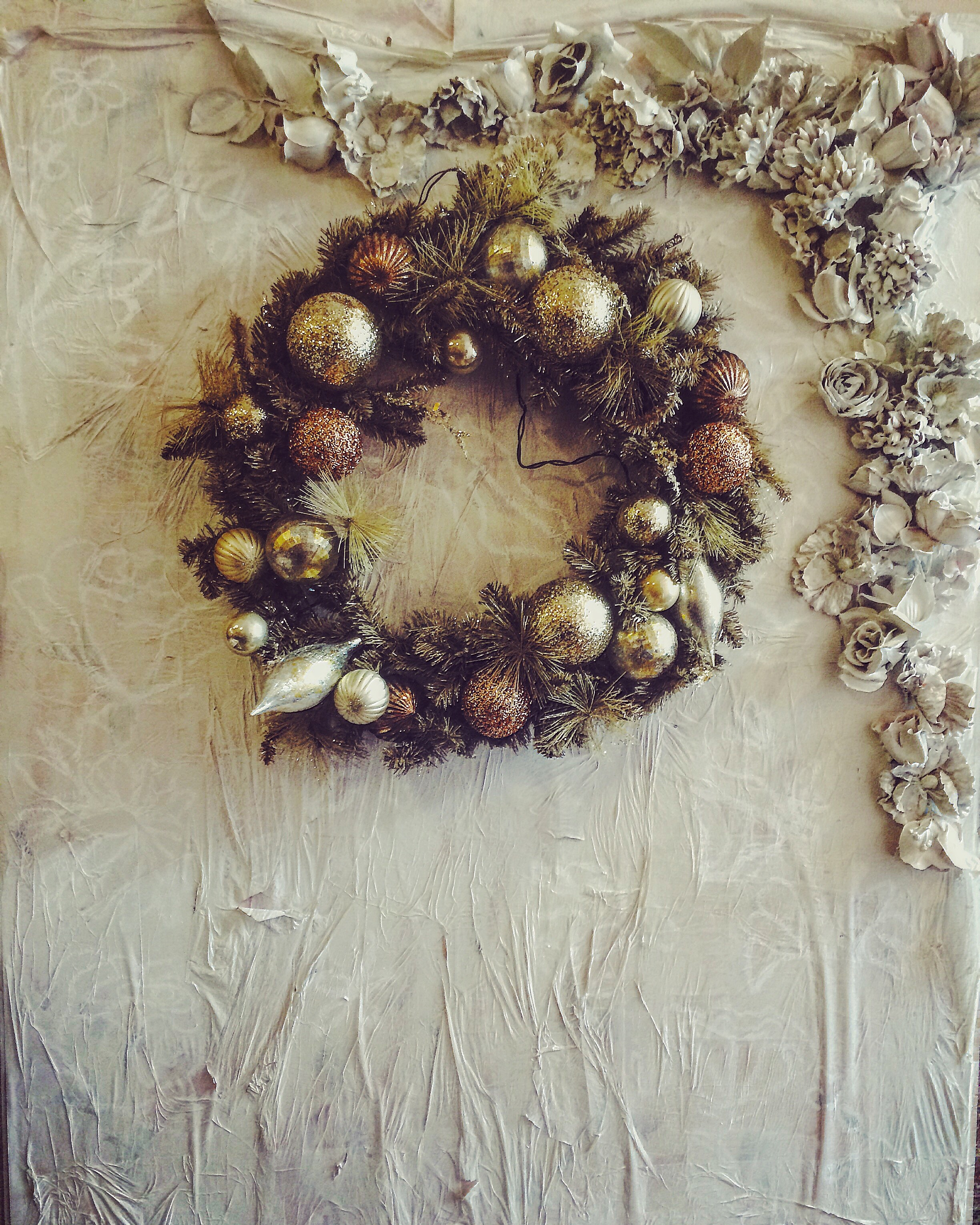 Someday I will be incredibly fussy and have this holiday wreath of my dreams.