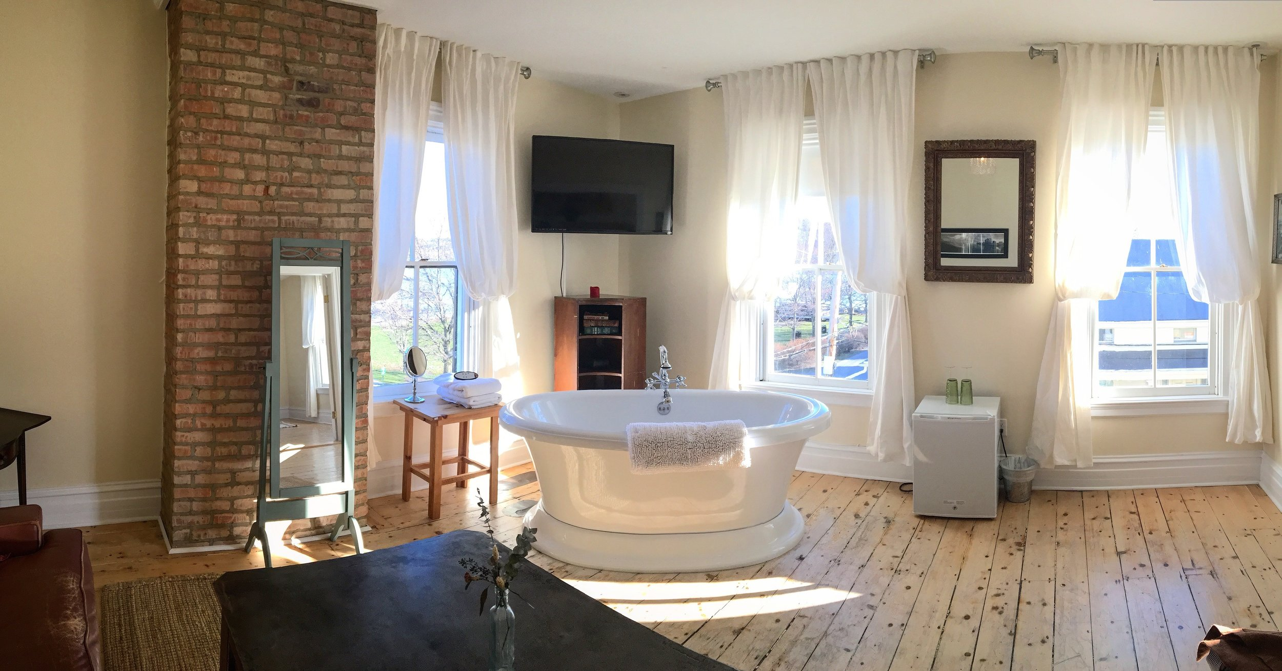 Our bedroom suite was an actual dream. A bathtub in the bedroom...