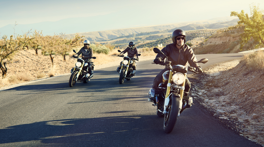 From left to right: Fred (Blitz Motorcycles), David (El Solitario) & Peter (Urban Motors).